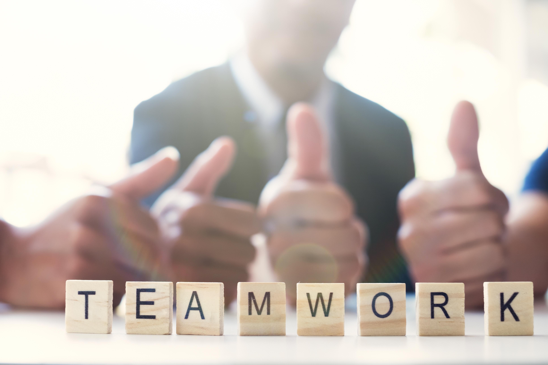 Como liderar uma equipe? 10 dicas para liderar uma equipe de sucesso